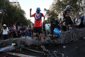 Chile: Ascienden a 352 las personas con heridas oculares por protestas
