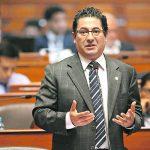 Heresi pide a Vizcarra renunciar si no deslinda