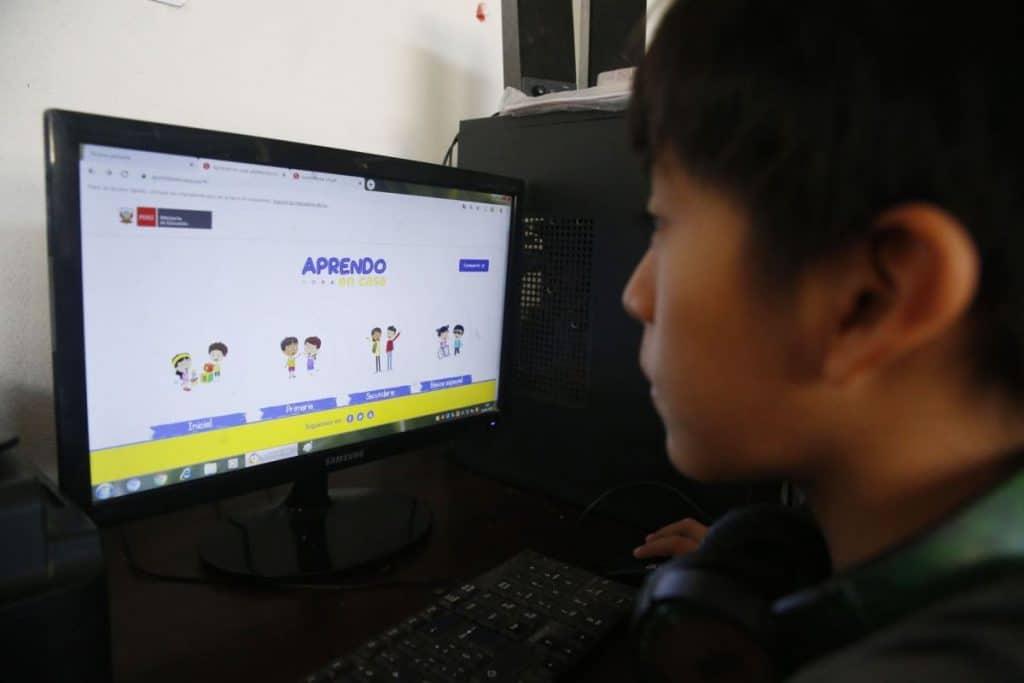 Más de 6 millones de escolares iniciaron clases por «Aprendo en casa», según Minedu