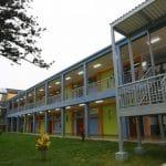 Defensoría plantea que colegios sean usados como centros de aislamiento temporal