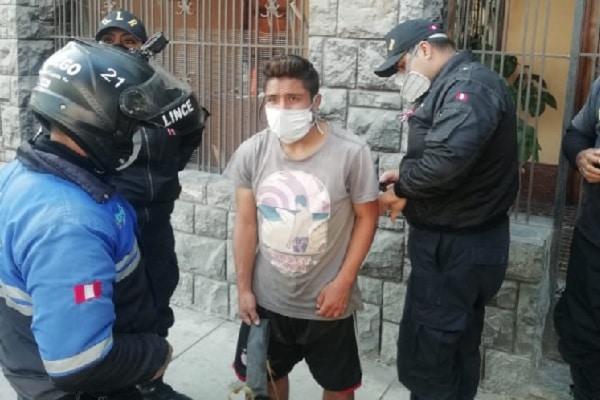 Lince: detienen a sujeto que huía con accesorios robados
