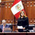 Fiscalía de la Nación archiva denuncia contra Mercedes Aráoz por jurar como presidenta encargada