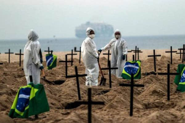 Brasil superó las 220.000 muertes por COVID-19 y roza los 9 millones de casos