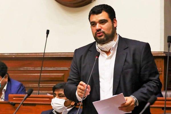 Guillermo Aliaga renuncia a la Mesa Directiva del Congreso