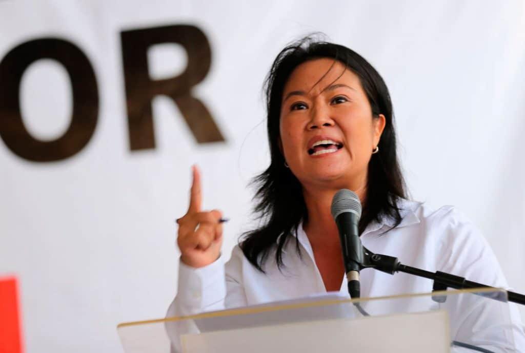 Keiko Fujimori exhorta a los congresistas de Fuerza Popular a defender la Constitución del 93