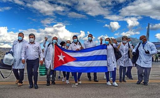 Minsa pagará a personal médico cubano hasta US$ 2,000 mensuales más gastos de manutención