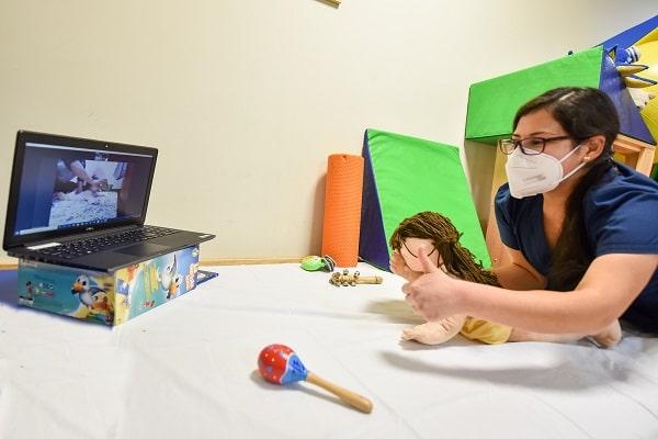 INSN San Borja: especialistas de rehabilitación realizan atención virtual a más de mil niños del país