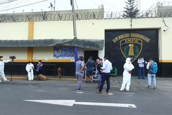 Covid mata 2 internas en penal de Chorrillos