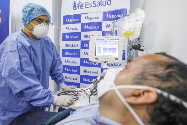 EsSalud continúa recibiendo donantes de plasma para tratamiento de pacientes COVID-19