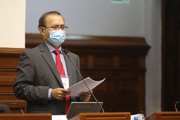Otto Guibovich es elegido presidente de la comisión que investigará el caso Vacunagate