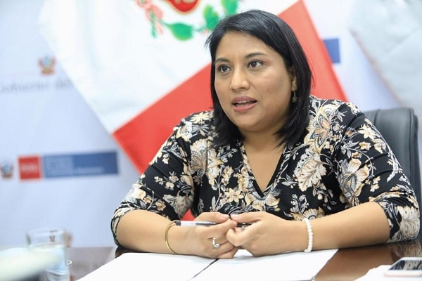 Ana Neyra: «Hubiera sido responsable que el Congreso conteste demanda competencial con antelación»