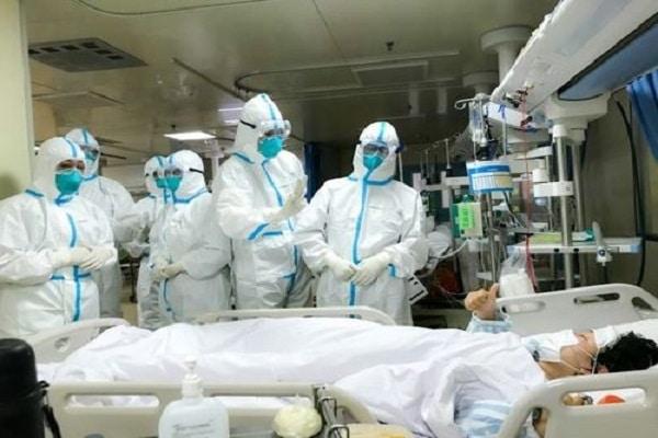 Médicos y epidemiólogos del mundo piden cambiar las políticas de lucha contra la COVID-19