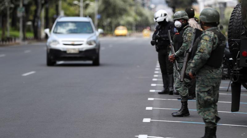 Se mantiene prohibición de uso de vehículos particulares durante los domingos, señaló Martín Vizcarra