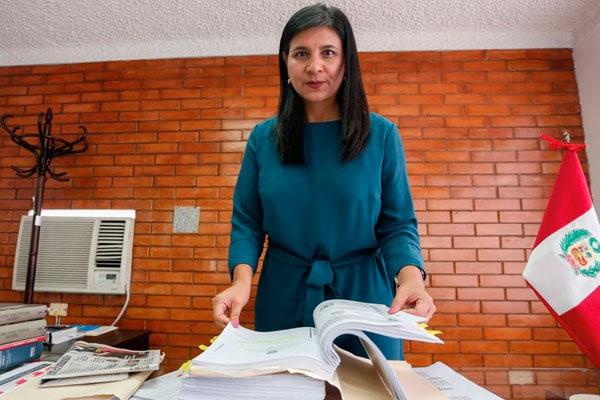 Silvana Carrión defenderá al Estado en investigación contra Vizcarra