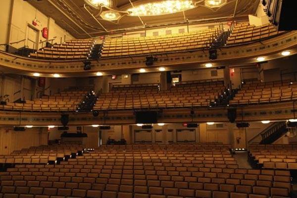 Los teatros de Broadway continuarán cerrados hasta el 2021 por el coronavirus