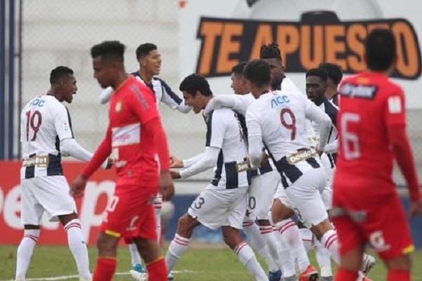 Alianza Lima baja a segunda división tras caer 0-2 ante Sport Huancayo