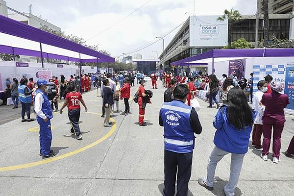 Realizan Feria de Servicios en conmemoración del Día Internacional de la NO Violencia contra la Mujer