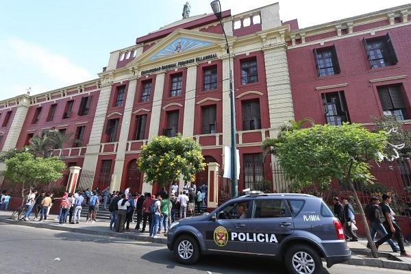 Examen de admisión a la Universidad Villarreal será de manera presencial, aseguró el rector