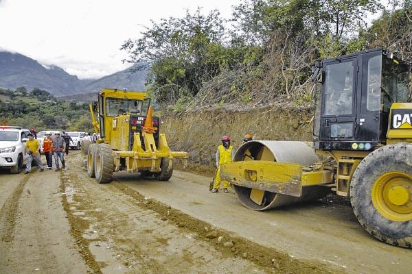 Investigarán licitación en vía Moquegua-Omate-Arequipa