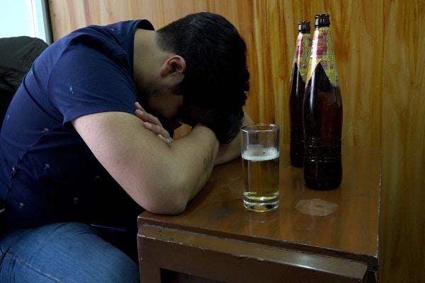 Advierten sobre los peligros de la intoxicación alcohólica durante las fiestas de fin de año