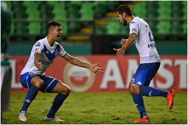 Con gol de Luis Abram, Vélez Sarsfield avanzó a los cuartos de final de la Copa Sudamericana