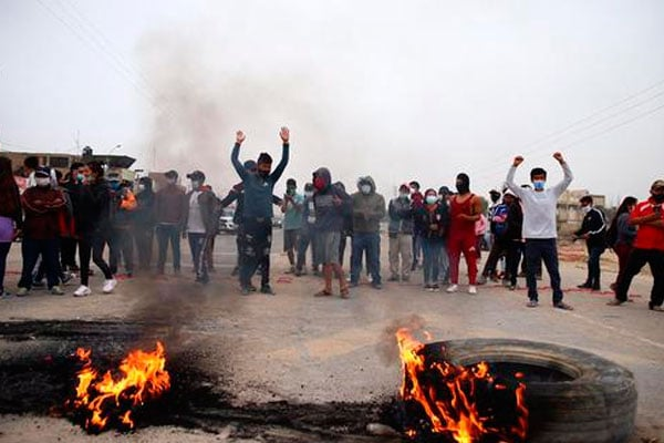 Trabajadores agrarios bloquean panamericana en Ica y La Libertad