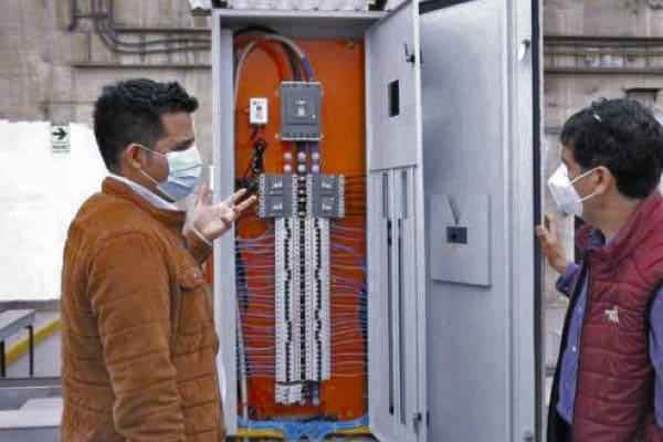 Invento peruano permite reducir consumo de electricidad