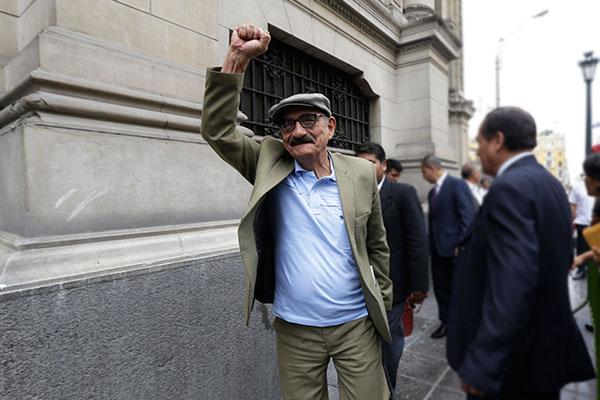 Fernández Chacón anuncia que no votará a favor de la confianza al gabinete Bermúdez