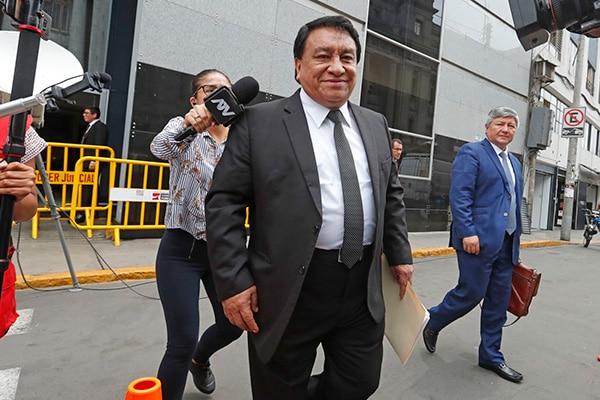 José Luna Gálvez es ratificado como candidato al Congreso por decisión del JNE