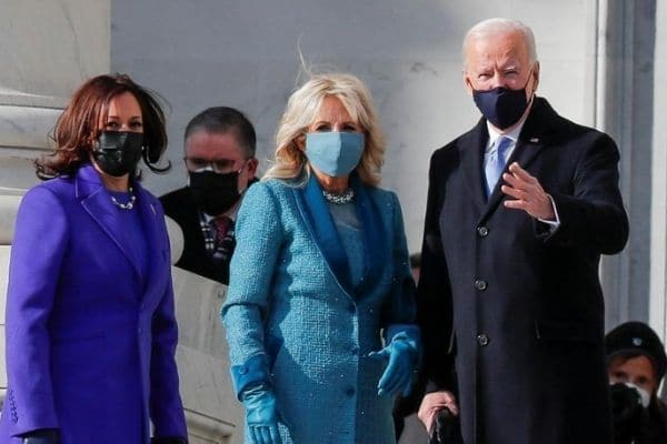 Joe Biden aprueba ampliar ayuda federal a familias