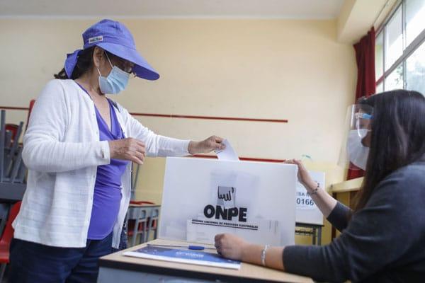 Minsa liderará implementación de protocolo COVID-19 para la campaña electoral