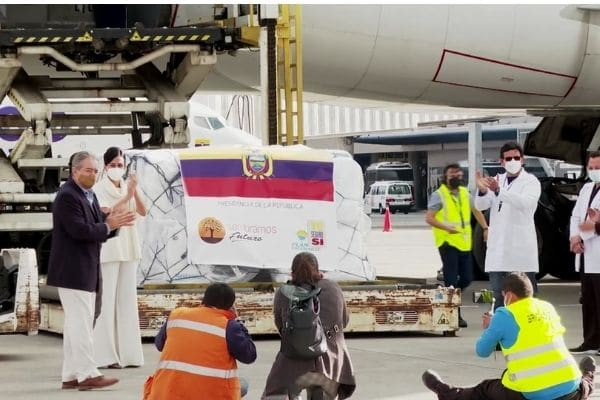 Ecuador comienza plan de vacunación
