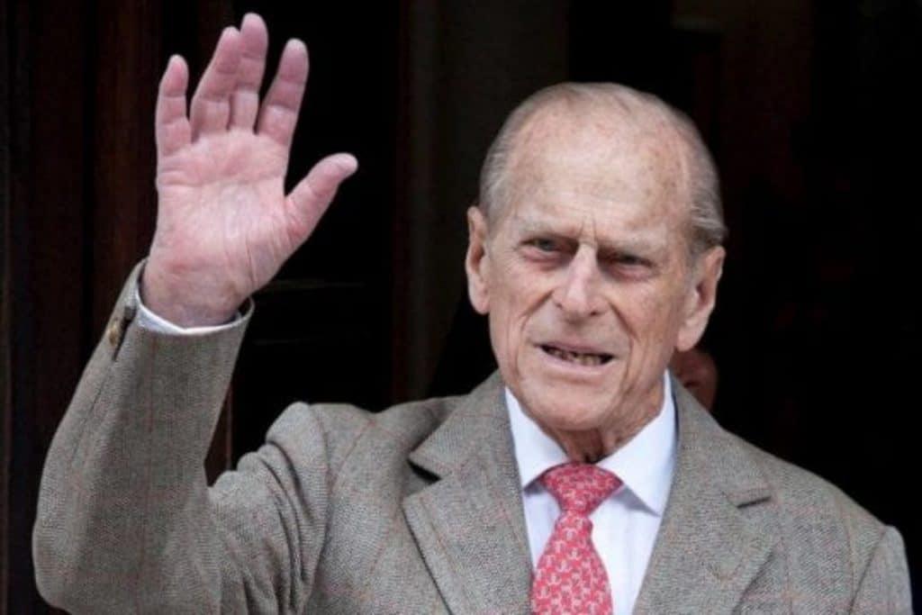 """El Duque Felipe de Edimburgo fue hospitalizado """"de manera preventiva"""""""