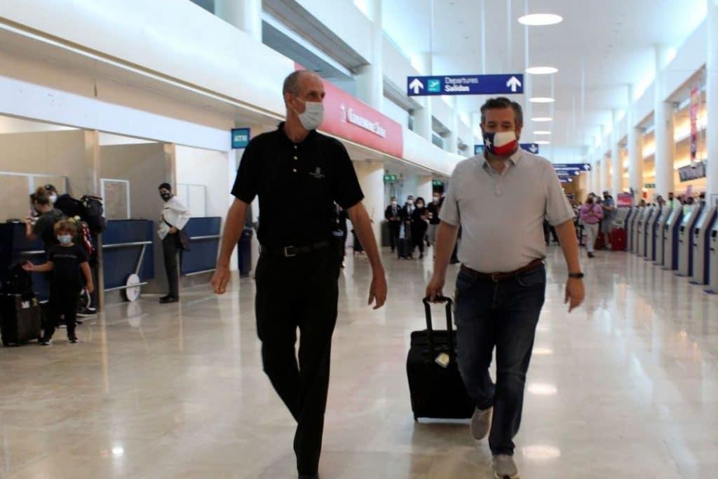 Senador de Texas viaja  a Cancún en plena crisis