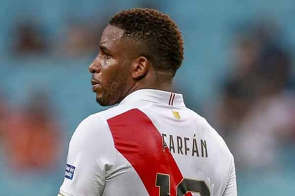 Jefferson Farfán sigue sin encontrar club y alarga la incertidumbre