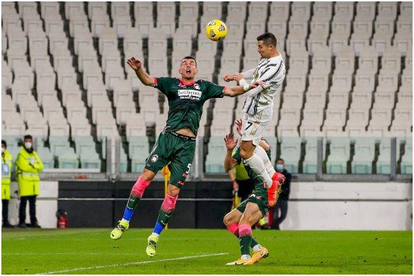 Con doblete de Cristiano Ronaldo, Juventus goleó 3-0 a Crotone por la Serie A