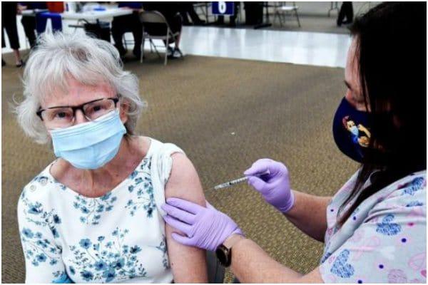 Estados Unidos: aplican vacuna a más de 4 millones en un solo día