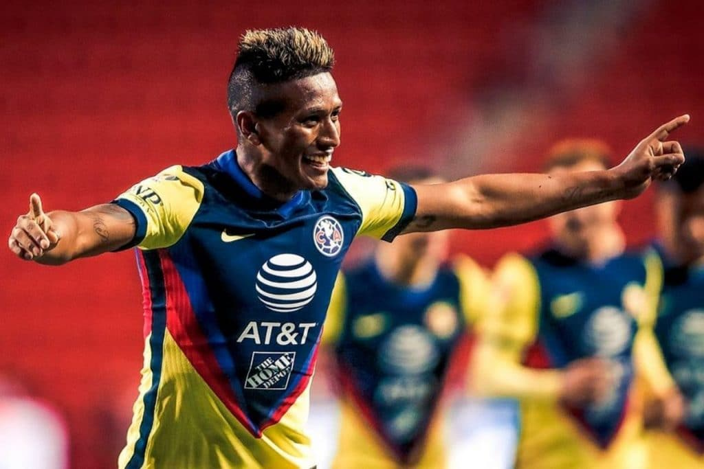 Pedro Aquino anota su segundo gol con el América
