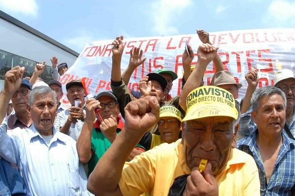 Poder Ejecutivo llevará al Tribunal Constitucional ley sobre devolución del Fonavi, aseguró el titular del MEF, Waldo Mendoza