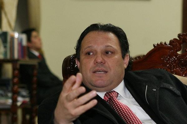 Legislador Carlos Mesías sobre el caso 'Vacunagate': «Funcionarios del Minsa, la Cancillería y de la UPCH se habrían concertado y Vizcarra lo manejaba todo»