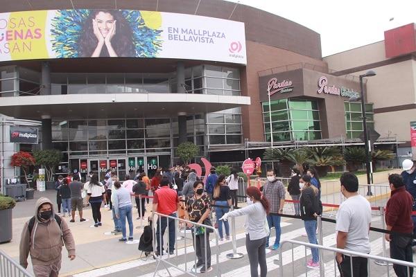 Uso de protector facial será obligatorio a partir de este lunes para entrar a centros comerciales