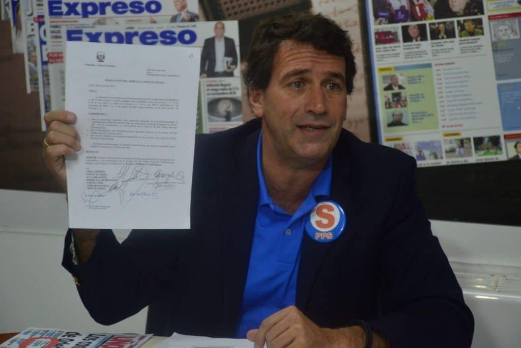 Rafael Santos: Los lagartos serían financiados por Odebrecht