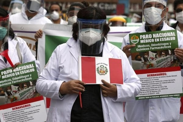 Médicos de EsSalud anuncian paro nacional