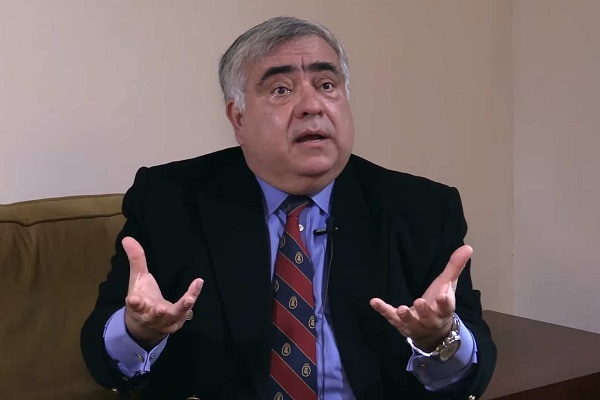 Enrique Ghersi: Mario Vargas Llosa respalda a la democracia