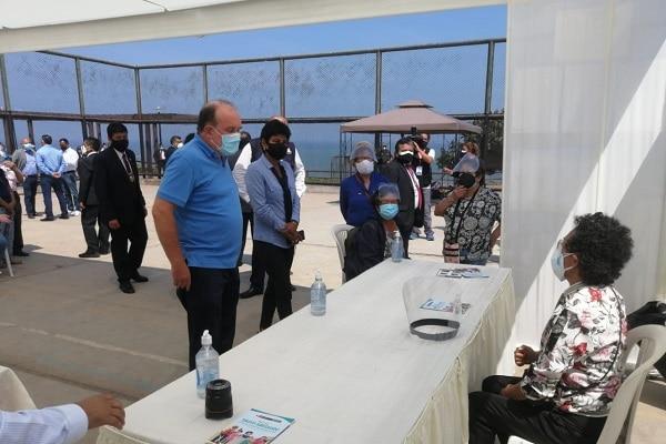 Rafael López Aliaga no pudo votar a tiempo porque su mesa no fue instalada y calificó el hecho como un «mamarracho de organización»