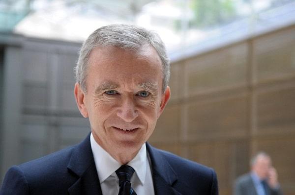 El magnate francés Bernard Arnault destrona a Jeff Bezos como la persona más rica del mundo, según Forbes