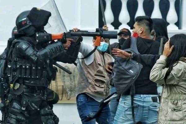 Colombia: Denuncian uso excesivo de la fuerza policial