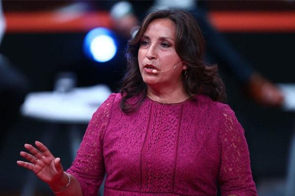 Perú Libre: denuncian a Dina Boluarte por discriminación