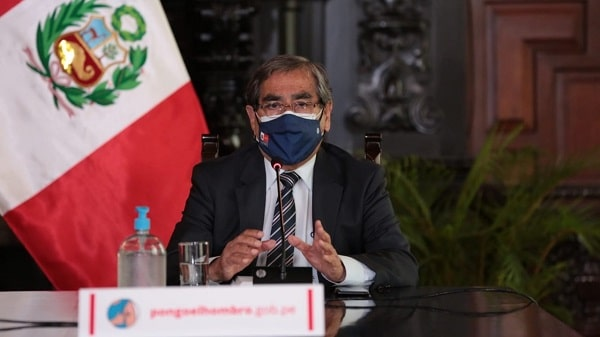«La vacuna Sputnik V no está registrada en el país, pero hay un proceso en curso», aseguró el ministro de Salud, Óscar Ugarte