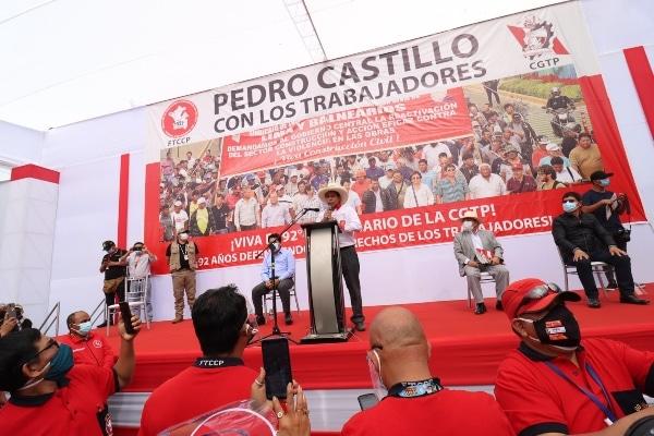 Castillo se reafirma en cambio constitucional